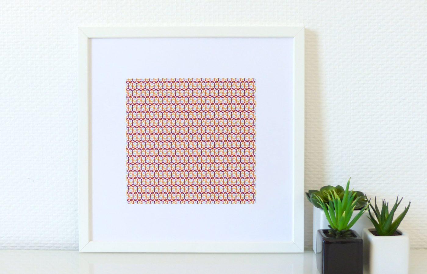 Les Fils Rouges décoration murale tableau motif isométrique hexagones multicolore brodé